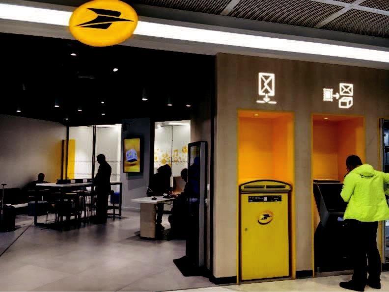 Innovation ouverture de deux bureaux de poste à paris orly et paris
