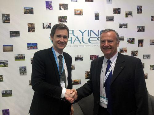 Le Groupe ADP et la société FLYING WHALESsignent un accord dans le cadre d'un projet dedéploiement de bases de dirigeables