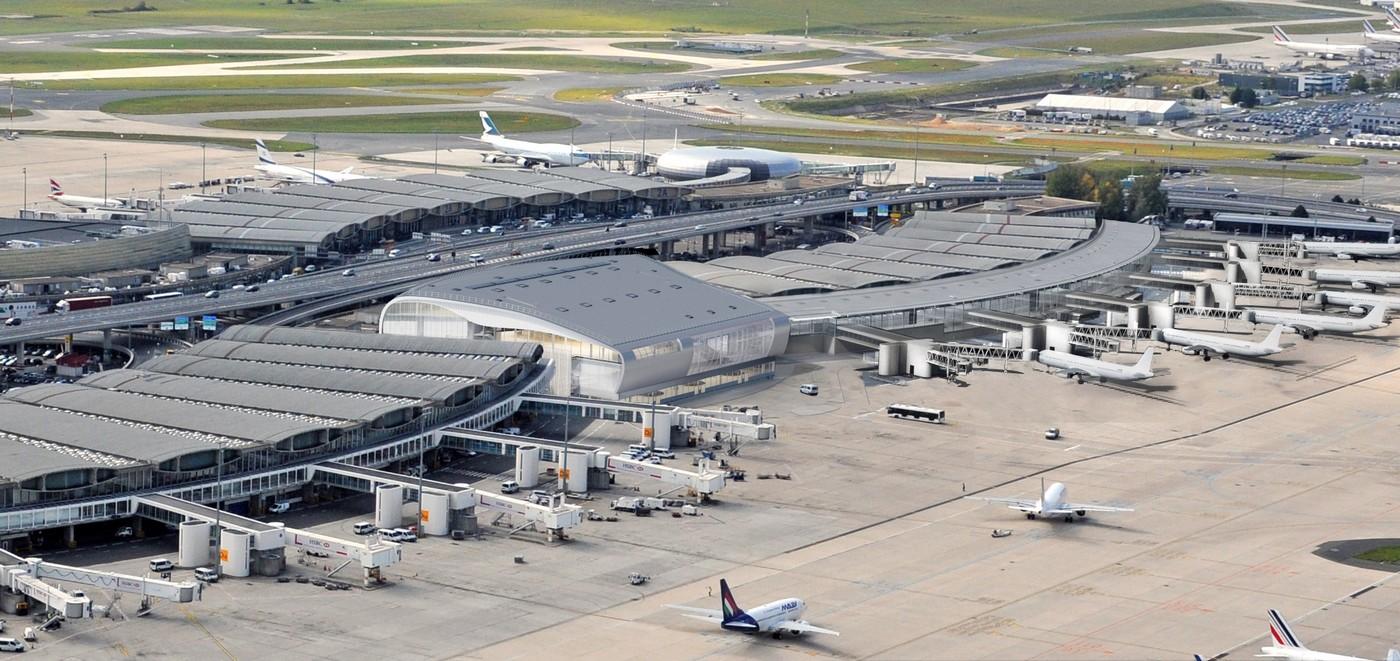 Point sur le chantier de réhabilitation du Terminal 2B et sur la jonction entre les terminaux 2B et 2D de l'aéroport Paris-Charles de Gaulle.